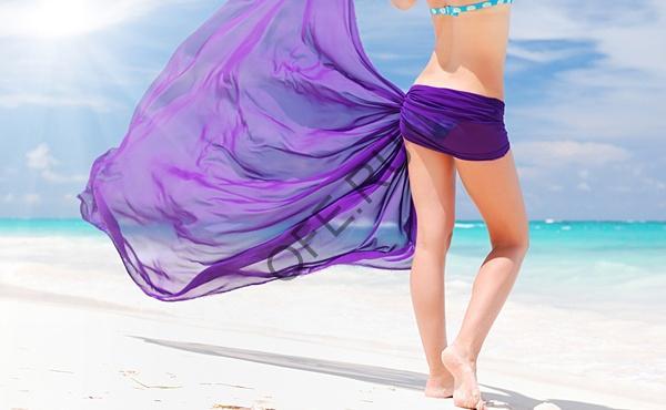 Платок на пляже