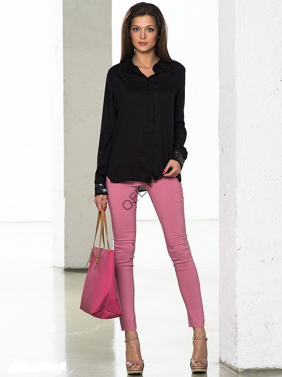 Розовые брюки и сумка
