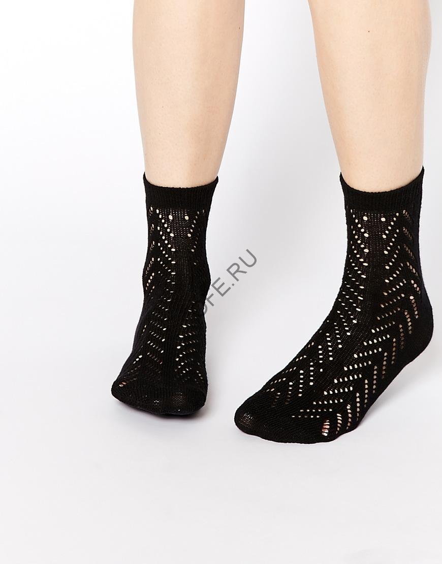 Черные носки с узорами