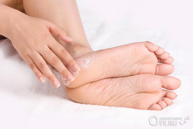 Сухие ступни ног