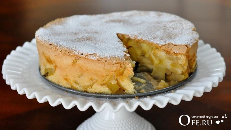Шарлотка с яблоками: рецепт